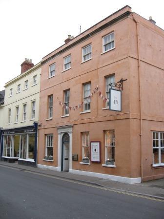 18 Castle Street, Cirencester